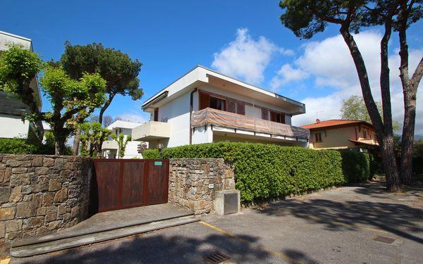 Appartamento Italia, Holiday Apartment for rent in Marina Di Pietrasanta, Tuscany