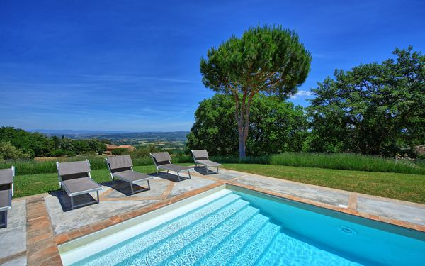 Villa Montefreddo, Villa for rent in Fighine, Tuscany