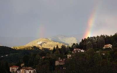 Il Palazzetto: Vista panoramica con arcobaleno