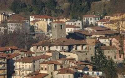 Il Palazzetto: Castelnuovo di Garf.na Monuments: Rocca Ariostesca