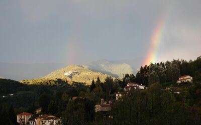 The Nest In Garfagnana: Panoramic view with rainbow