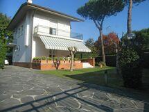 La Casa Di Orietta, Villa for rent in Forte Dei Marmi, Tuscany