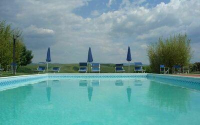 Agriturismo Il Gattero: the pool