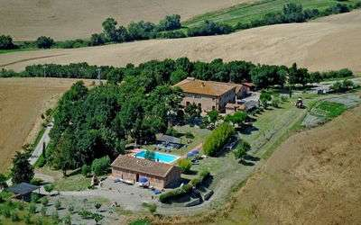 Agriturismo Il Gattero: pictures from helicopter