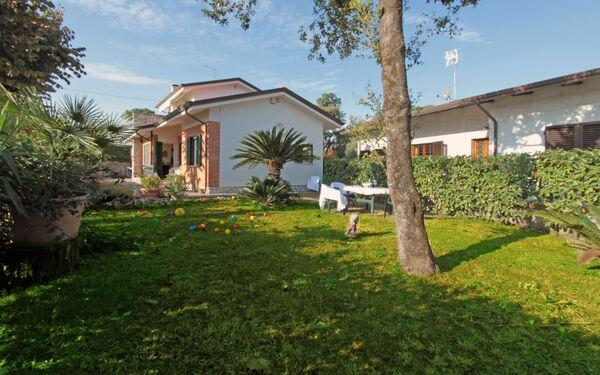 Villa Villa Giuliana in affitto a Forte Dei Marmi