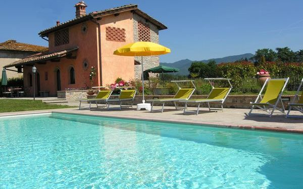 Pallatoio, Villa for rent in Senni, Tuscany