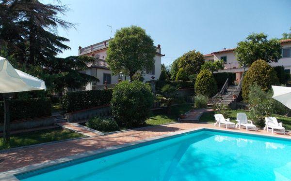 Villa Ermanzia, Villa for rent in Ponzalla, Tuscany