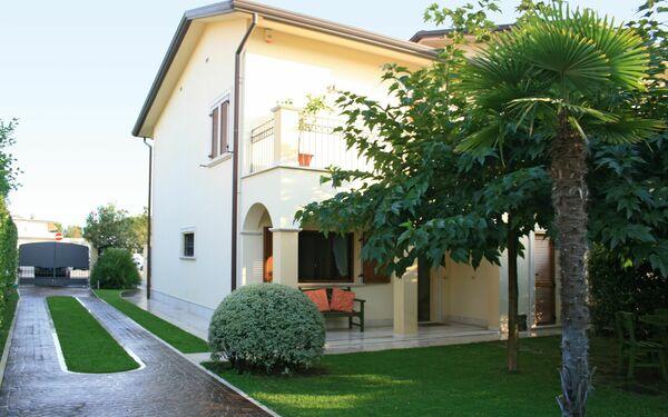Villa Stefano, Villa for rent in Forte Dei Marmi, Tuscany