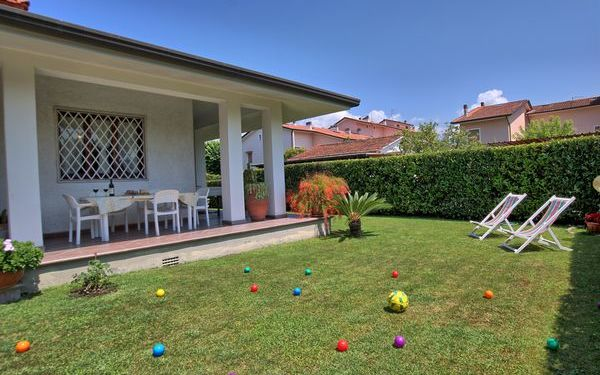 Villa Carla, Villa for rent in Forte Dei Marmi, Tuscany