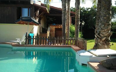 Pool Chalet