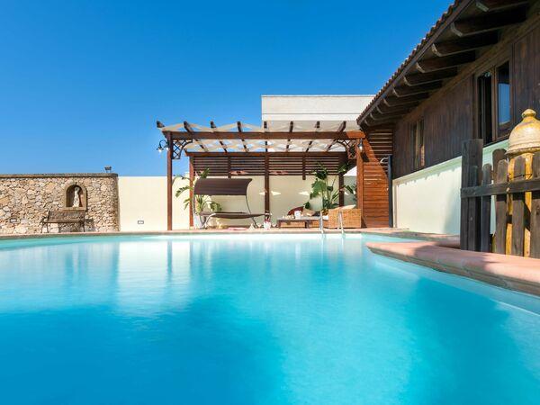 Villa Pool Chalet in  Marina Di Mancaversa-giannelli -Apulien