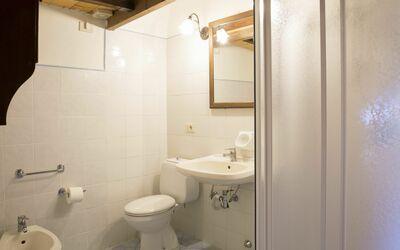 Belvedere 3: Bathroom