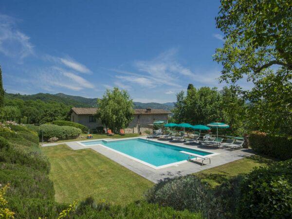 Villa Santa Maria a Bovino, Villa for rent in Vicchio, Tuscany