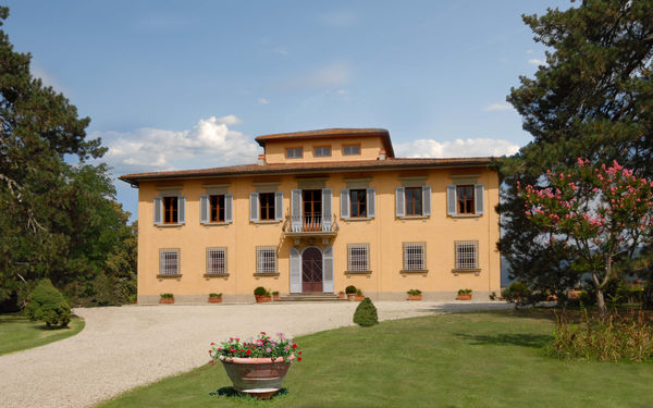 Villa i Delfini, Villa for rent in Ponte a Vicchio, Tuscany