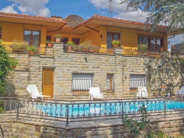 Villa Valentina, Villa for rent in Vicchio, Tuscany
