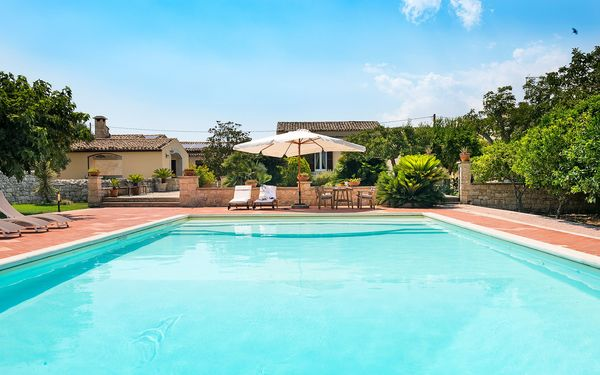 Il Baglio, Villa for rent in Modica, Sicily