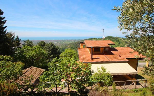 Casa Montebello, Holiday Home for rent in Strettoia, Tuscany