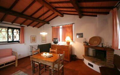 Fienile 1101: Wohnzimmer mit Kochnische