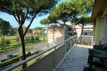 Appartamento Lido, Holiday Apartment for rent in Lido Di Camaiore, Tuscany