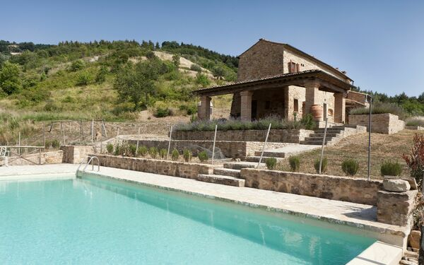 Villa Fraggina, Villa for rent in Volterra, Tuscany