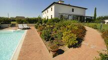Villa De' Michelangioli, Тоскана, Fattoria