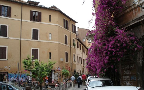 Diamonds & Rust, Apartment for rent in Rome, Latium