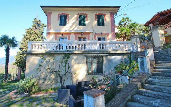 Villa Casa Giovanni in  Camaiore -Toskana