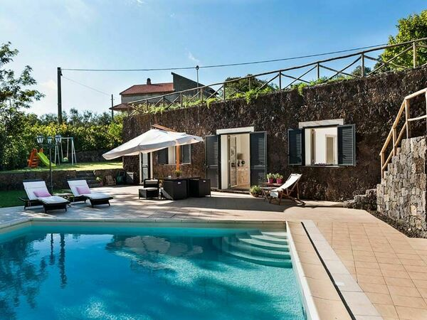Al Monte, Holiday Home for rent in Ragalna, Sicily