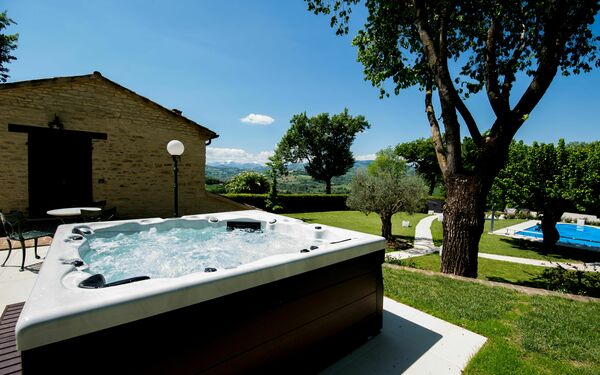 Villa With Heated Pool, Villa for rent in Sant'ippolito, The Marches