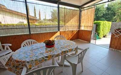 Mariella: Terrace
