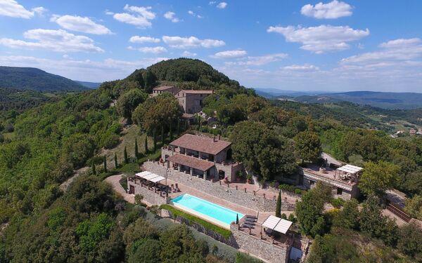 Il Poggio, Country House for rent in Pari, Tuscany