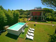 Villa Villa Torre in  Marina Di Massa -Toskana