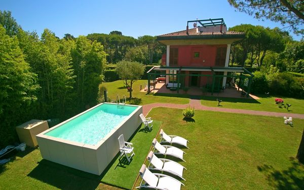 Villa Torre, Villa for rent in Marina Di Massa, Tuscany