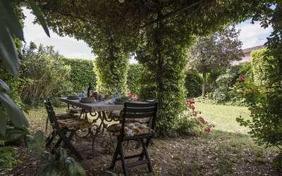 Appartamento Montelonti: Garden patio
