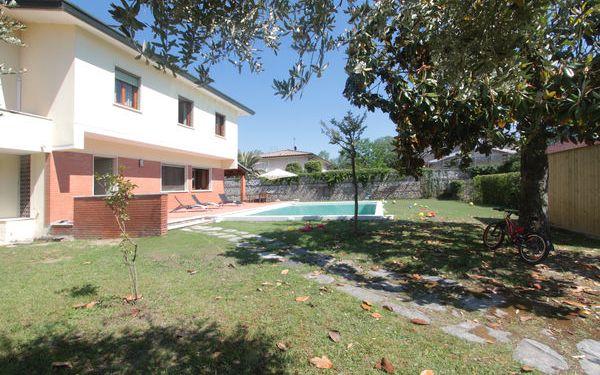 Mauro's House, Villa for rent in Forte Dei Marmi, Tuscany