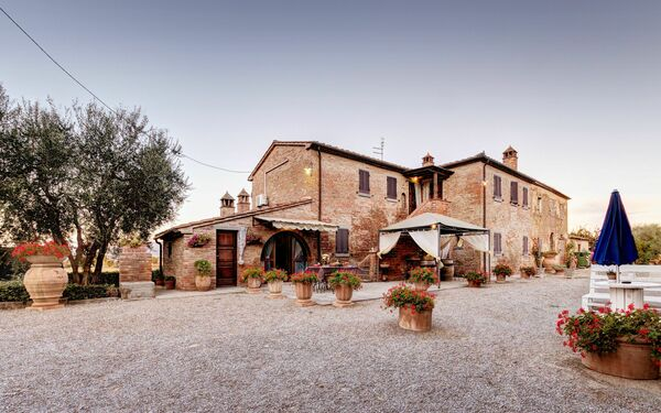 Casale Valdichiana, Villa for rent in Fratticciola, Tuscany