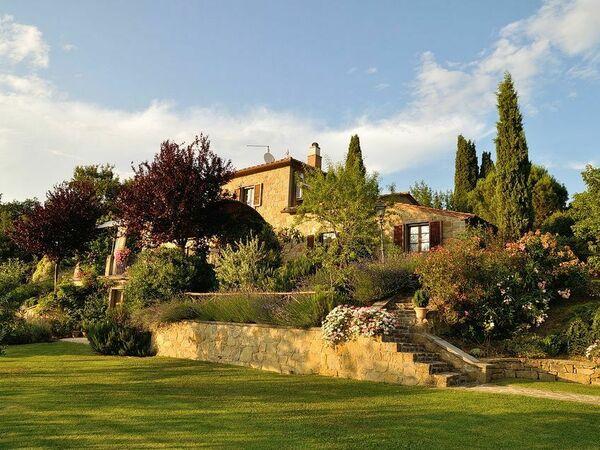 Villa Rosmarino, Villa for rent in Montanare, Tuscany