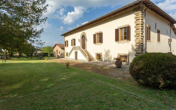 Villa Eugenia, Villa for rent in Vicchio, Tuscany