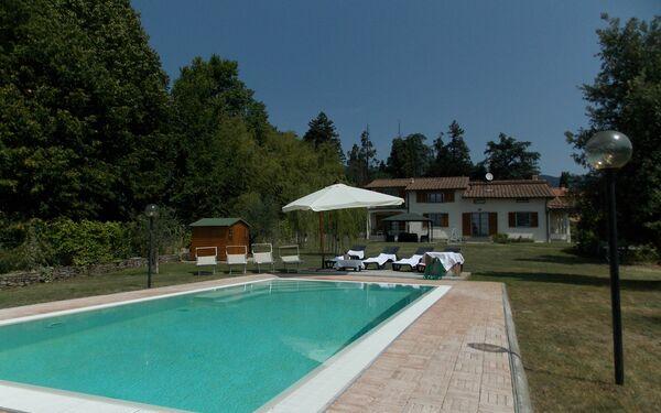 Villa Villa Giulia With Pool 12 Pax in  Grezzano -Toskana
