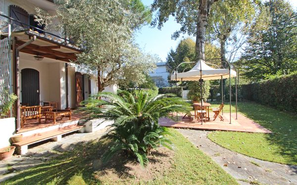 Casa Marino, Holiday Home for rent in Marina Dei Ronchi, Tuscany