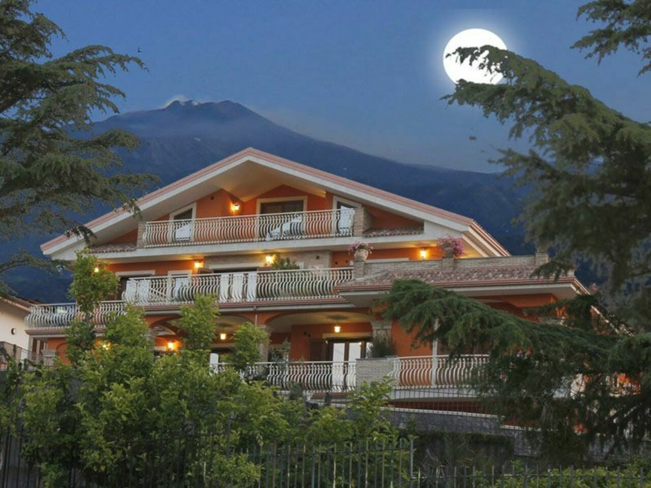 Etna View Holiday House