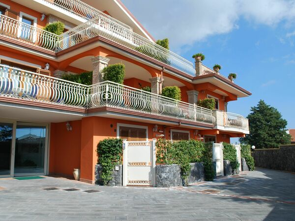 Etna View Holiday House, Holiday Home for rent in Trecastagni, Sicily