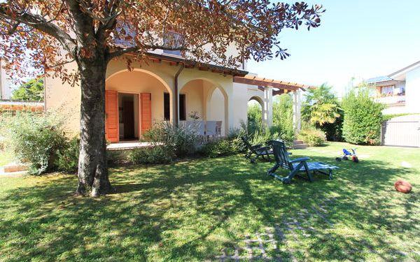 Villa Dina, Villa for rent in Forte Dei Marmi, Tuscany