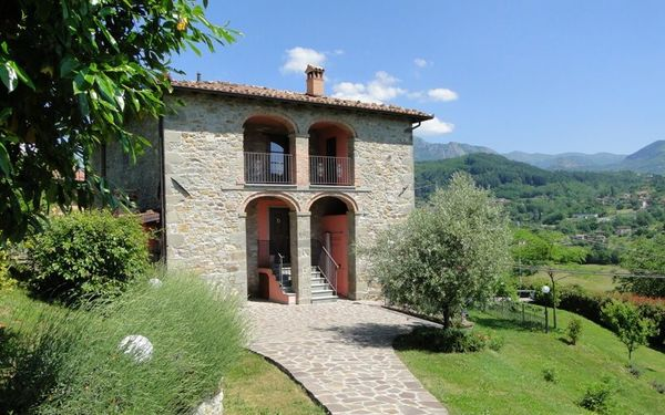 Franchi, Villa for rent in Filicaia, Tuscany