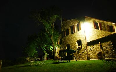 Le Querciole Del Chianti Countryhouse: Night view
