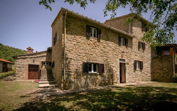 Agriturismo Borgo Al Teto, Holiday Home for rent in Pieve Di Chio, Tuscany