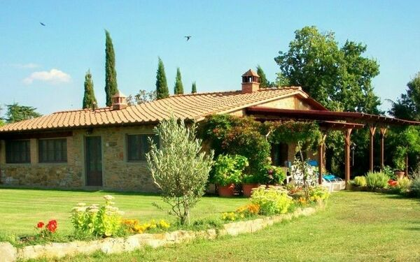 Solata, Villa for rent in Solata, Tuscany