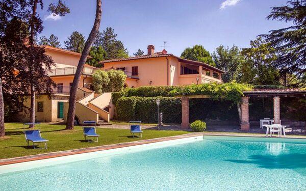 Villa Enrica, Villa for rent in Santa Maria a Vezzano, Tuscany