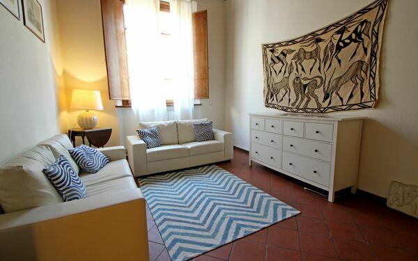 Appartamento Garibaldi, Holiday Apartment for rent in Pietrasanta, Tuscany