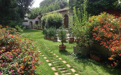 Villa Maria Doria: Warehouse - Front Garden